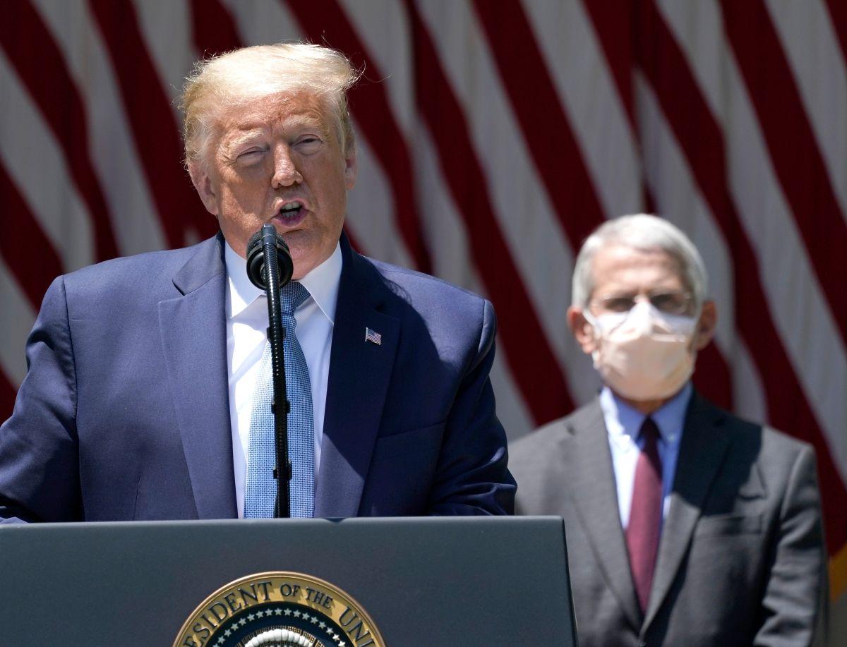 Dr. Fauci alerta del peligro por COVID-19 en mítines de Trump y rechaza que usen su imagen en campaña