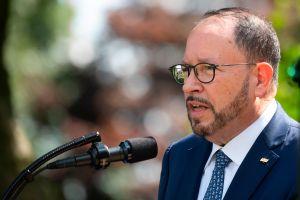 Presidente de Goya nombra empleada del mes a Alexandria Ocasio-Cortez