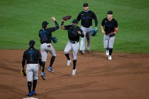 Miami Marlins tiene 17 casos positivos de coronavirus y MLB pospone sus juegos de toda la semana