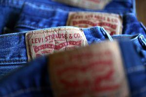 Por qué los consumidores se olvidaron de los pantalones de jean y cambiaron de prendas durante la pandemia de coronavirus