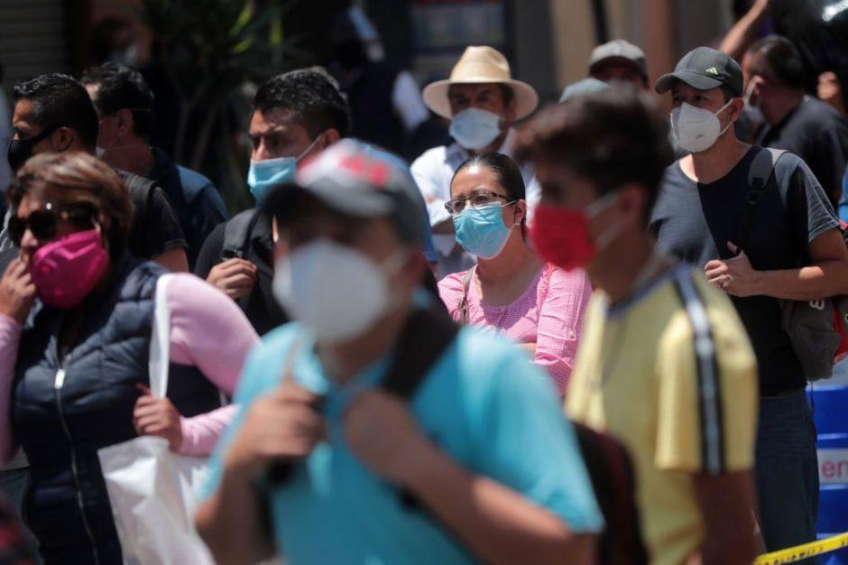 """Autoridades en México instalan """"monumentos a la conciencia"""" para recordar los riesgos del COVID-19"""