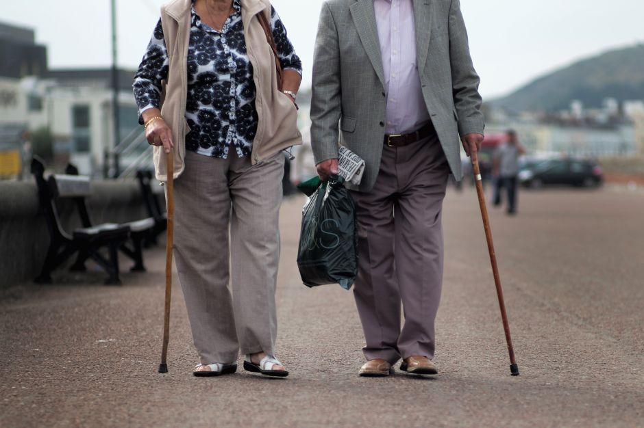 Por qué una segunda ola de coronavirus podría ser desastrosa en las finanzas de los jubilados en Estados Unidos
