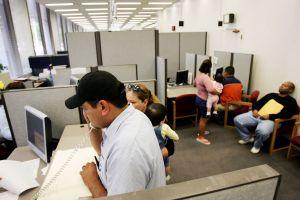 Si recibiste el beneficio de $600 dólares por seguro de desempleo, esto es lo que necesitas saber sobre el pago de impuestos