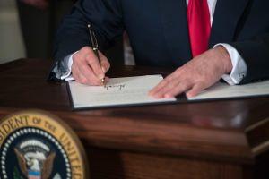 ¿Trump aprobará nueva ayuda de $1,200 con una orden ejecutiva?