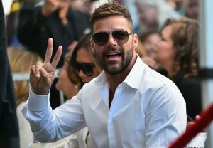 """Ricky Martin le pide a los latinos que voten: """"Quedarnos callados es ser cómplices del mal"""""""