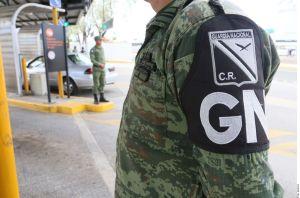 Narcos amagan a agentes de la Guardia Nacional y en clínica para rematar a hombre