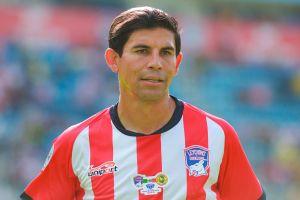Exfigura de Chivas, Jonny Magallón, sale del retiro para jugar en nuevo equipo mexicano