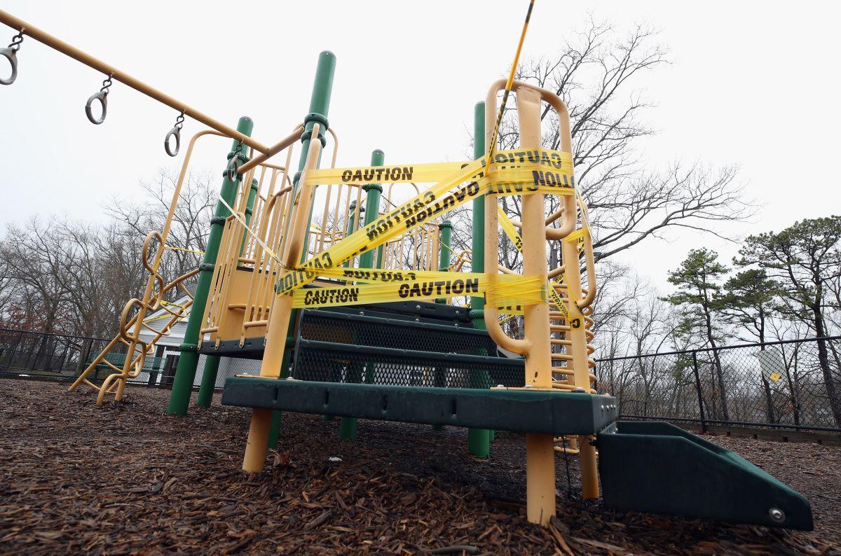 Parques infantiles en complejos de NYCHA representan una amenaza para los niños