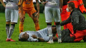 ¡Karma! Renato Ibarra debutó con Atlas y salió lesionado