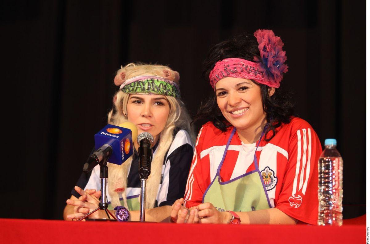 Karla Luna y Karla Panini.