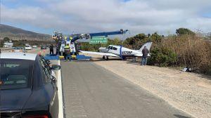 Piloto aterriza una avioneta de emergencia en la Autopista 5 cerca de San Clemente