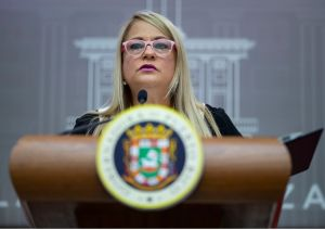 En manos del FEI resolver si acusan a la gobernadora de Puerto Rico por lío de suministros tras huracán María