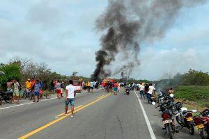 VIDEO: Terrible explosión en Colombia quema vivas a personas cuando robaban gasolina