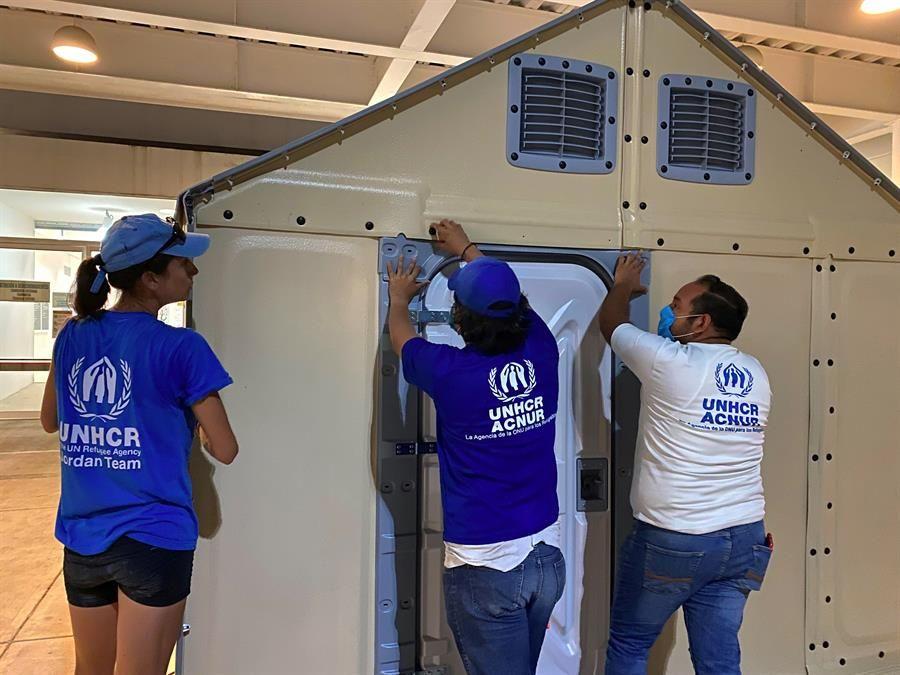 Acnur instala viviendas para refugiados en las fronteras de México