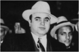 Mansión, donde Al Capone ordenó matanza de San Valentín, podría ser tuya por $35 mil mensuales