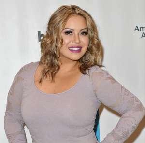 Chiquis Rivera se burla de quienes la llaman 'gorda' y publica fotos en tanga y sin sostén