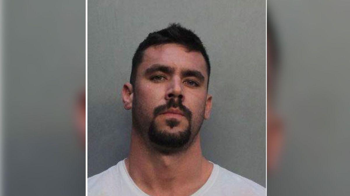 Arrestan a un hombre de Miami por pedir millones de dólares en ayudas por el coronavirus