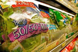 Retiran de tiendas bolsas de ensalada por contener posibles alérgenos