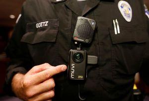 Policía renuncia por propinar a menor desarmado golpiza que quedó grabada en video espeluznante