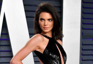 Kendall Jenner enloquece Instagram posando sin sostén y en lencería en sesión para Chanel