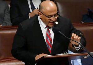'¡No se den por vencidos!', pide congresista Correa a dreamers