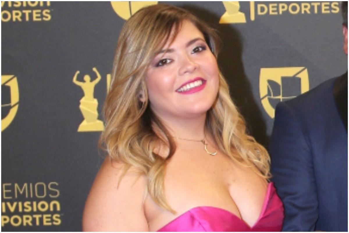 Mishelle, hija de Miguel Herrera, ama ejercitarse en la terraza de su casa.