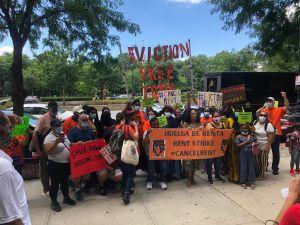 Inquilinos marchan para exigir a Legislatura encare crisis de vivienda agravada por COVID-19