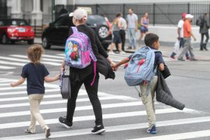 Las escuelas deben seguir protocolos anti COVID-19 para reabrir