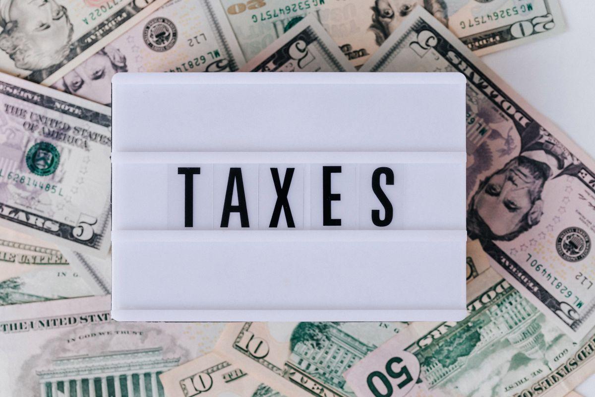 ¿Qué hacer si no has recibido ninguno de los 3 cheques de estímulo que distribuye el IRS aún siendo elegible a los pagos?