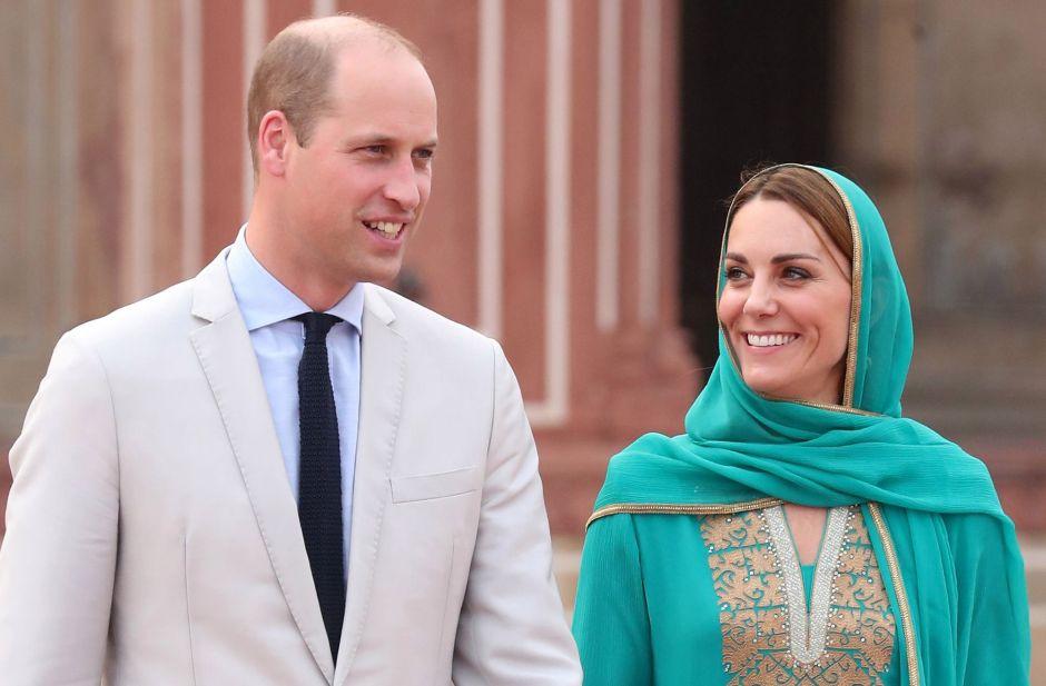 El príncipe William y Kate Middleton repiten el viaje que Lady Di hiciera con sus retoños en vida