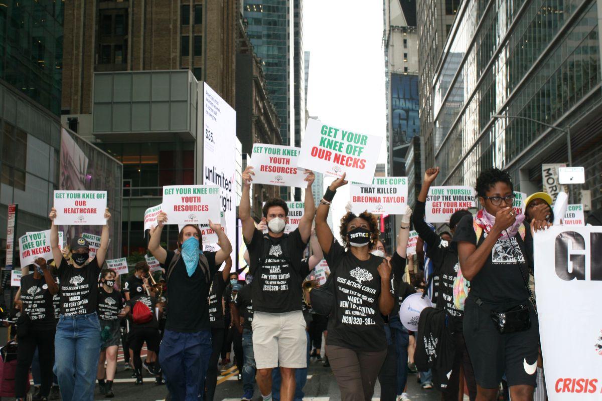 Movimiento 'Black Lives Matter' se reaviva en NYC con marcha hacia la Torre Trump