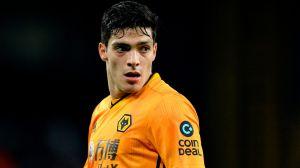 El destino de ManU, Leicester y Chelsea podría estar en los pies de Raúl Jiménez