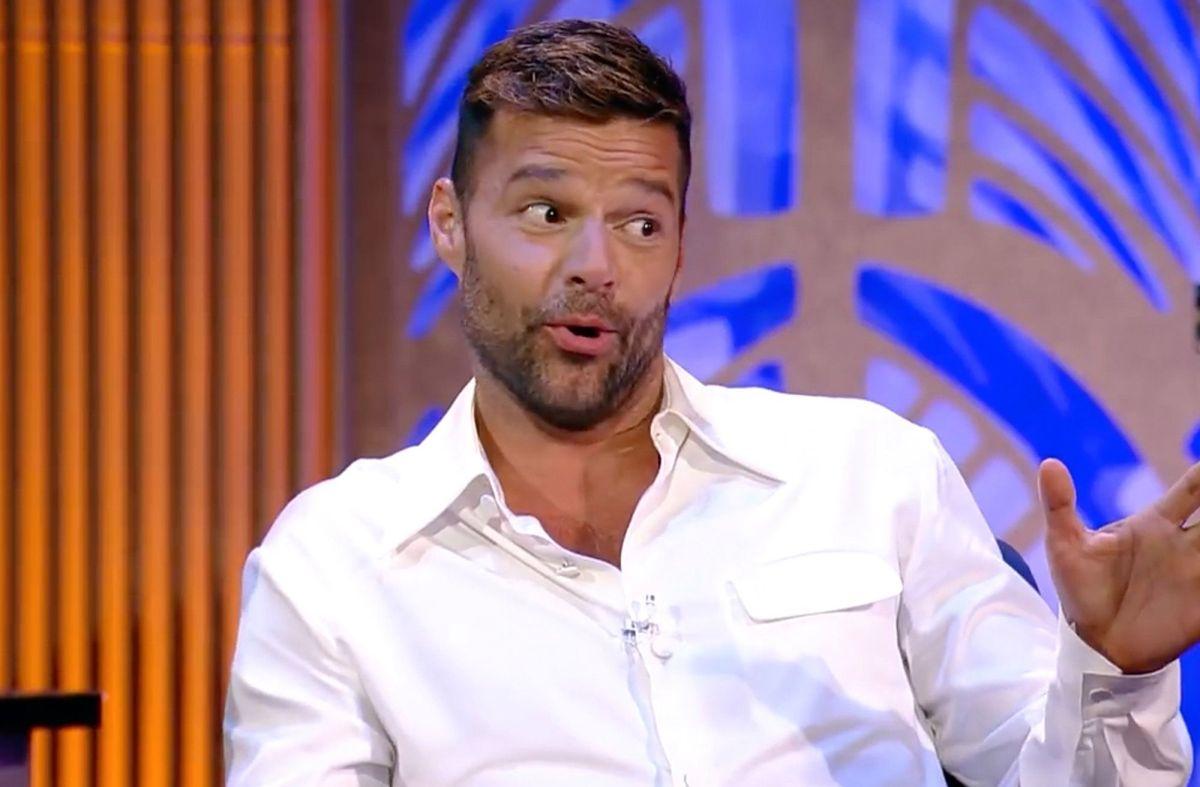 Rostro de Ricky Martin luce irreconocible tras posible arreglito estético