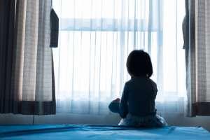 Niña se suicida en refugio; fue abandonada por sus padres y era golpeada por su abuela y tío