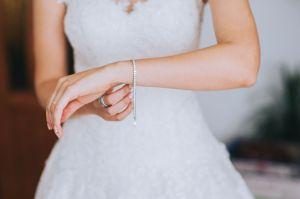 Los mejores sets de joyas elegantes para combinar con tu vestido de novia