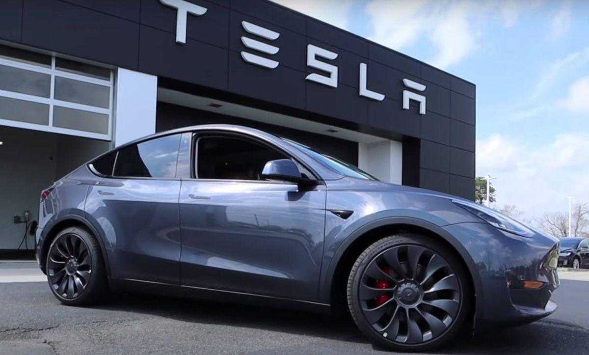 El Model Y de Tesla establece una nueva marca de rendimiento y un ejemplo a seguir para las demás firmas de autos eléctricos