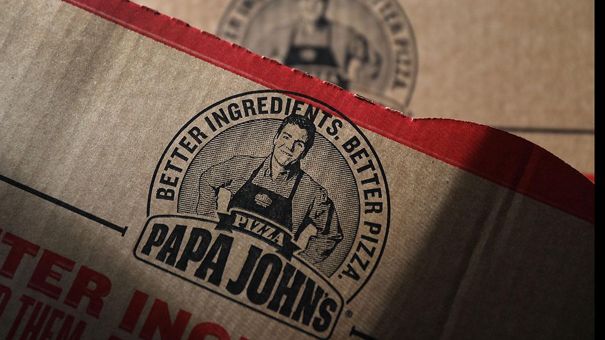 Papa John's contratará a 10,000 trabajadores más por alta demanda de pizzas
