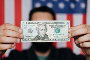 IRS: Cómo saber si te enviaron esta semana pagos adicionales de $500 por dependiente de primer cheque de estímulo