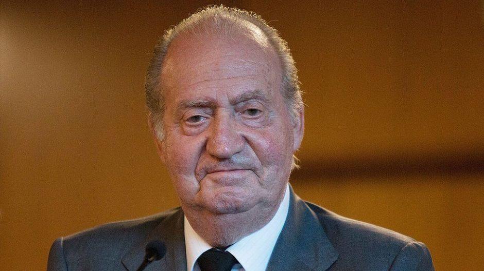 Juan Carlos I, pasó de héroe de la transición democrática en España a abandonar el país por escándalos