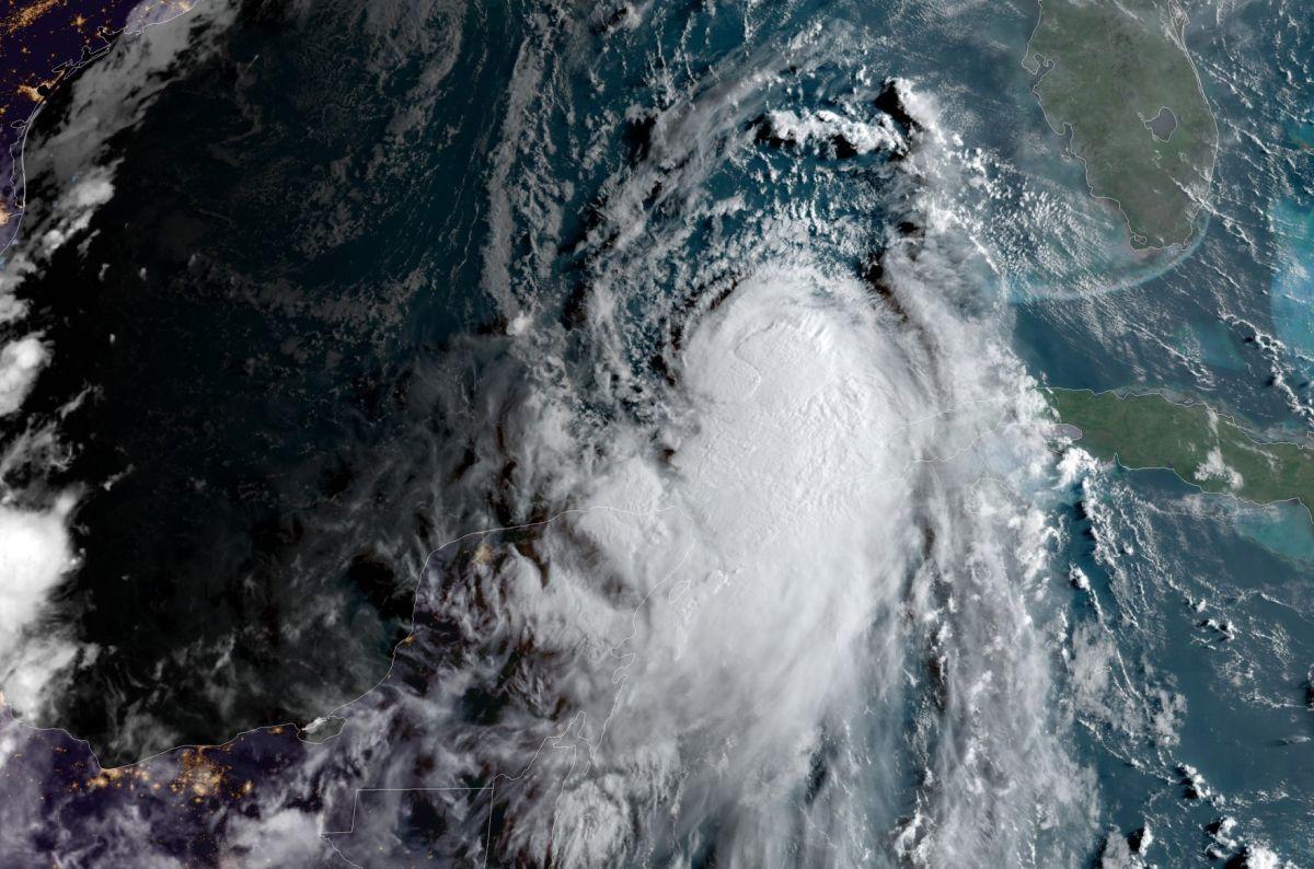 Laura ya es huracán categoría 1; se espera que aumente intensidad mientras se acerca a Texas y a Louisiana