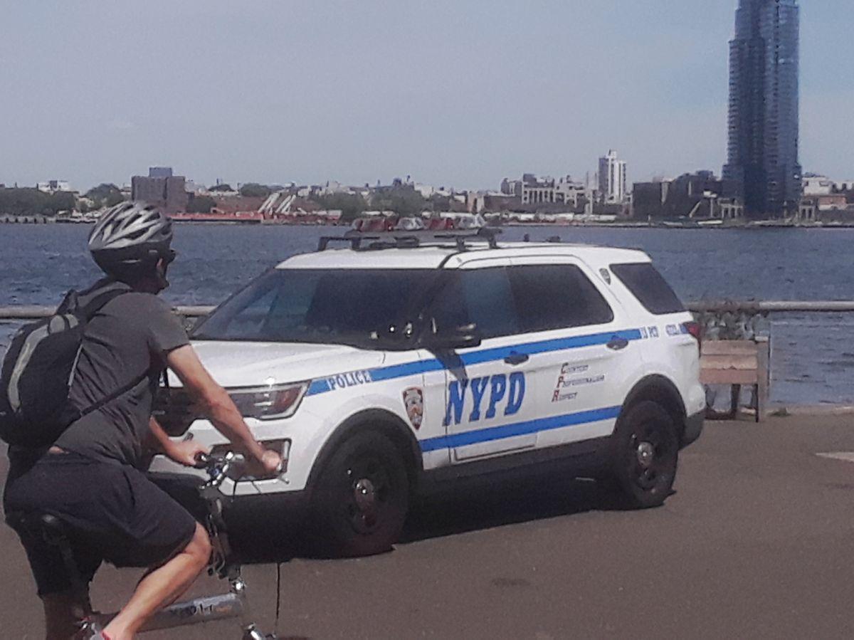 """""""Esto es una locura"""": comisionado policial culpa a reforma penal por aumento del crimen en Nueva York"""