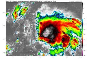 Puerto Rico recibirá vientos fuertes y lluvias torrenciales por tormenta Laura