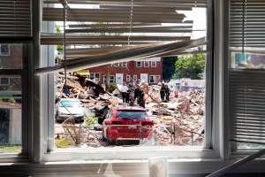 Explosión en vecindario de Baltimore acaba con varias casas alrededor