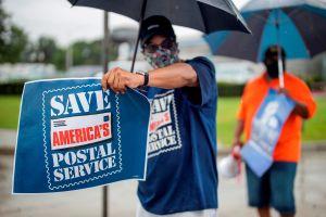 El Congreso no avanzó sobre cheque de estímulos durante votación extraordinaria sobre USPS