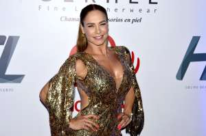 Lis Vega exhibe sus torneadas curvas con un traje de baño que deja ver mucha piel