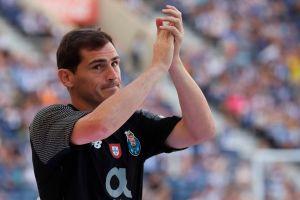 """""""Fue duro tenerte como oponente"""": Messi y Xavi dedican emotivos mensajes a su gran rival Iker Casillas"""