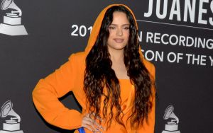 El vestido Moschino que Kylie Jenner y Rosalía vistieron