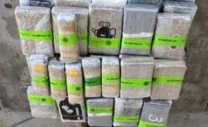Decomisan más de $2 millones de dólares en droga escondida en bus mexicano en Texas