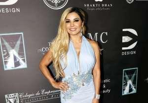 Aleida Núñez presume su belleza modelando sensuales jeans