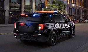 Esta es la razón por la que la mayoría de los autos de policía son Ford